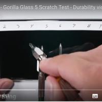 Galaxy Note7 display test graffi su Gorilla Glass 5