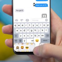 iPhone-8-iMessage