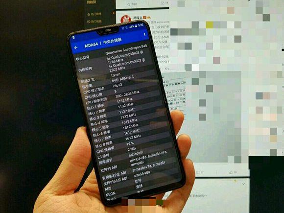 OnePlus 6 foto reale