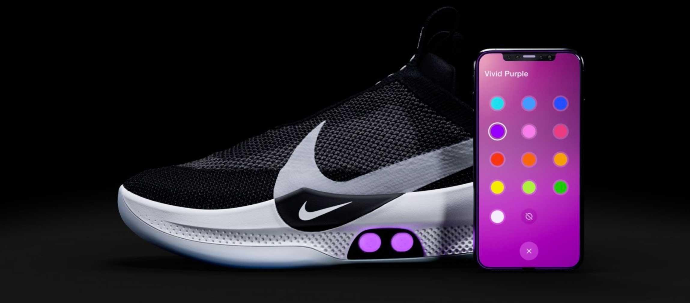 Scarpa Nike Autoregola L'allacciatura E Calzata Presenta La Smart Che kXN08nwOP