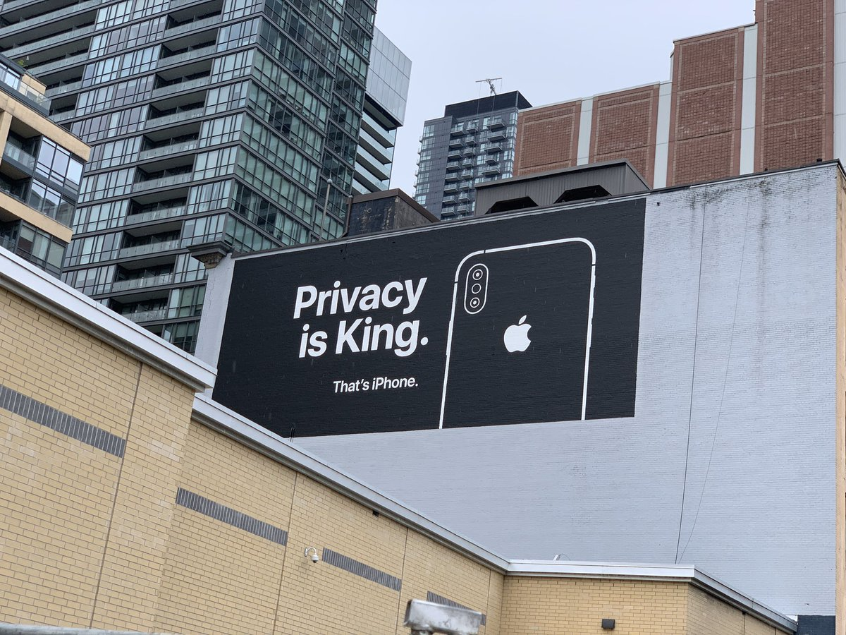apple-launches-genius-privacy-billboards-to-promote-the-iphone-526638-2