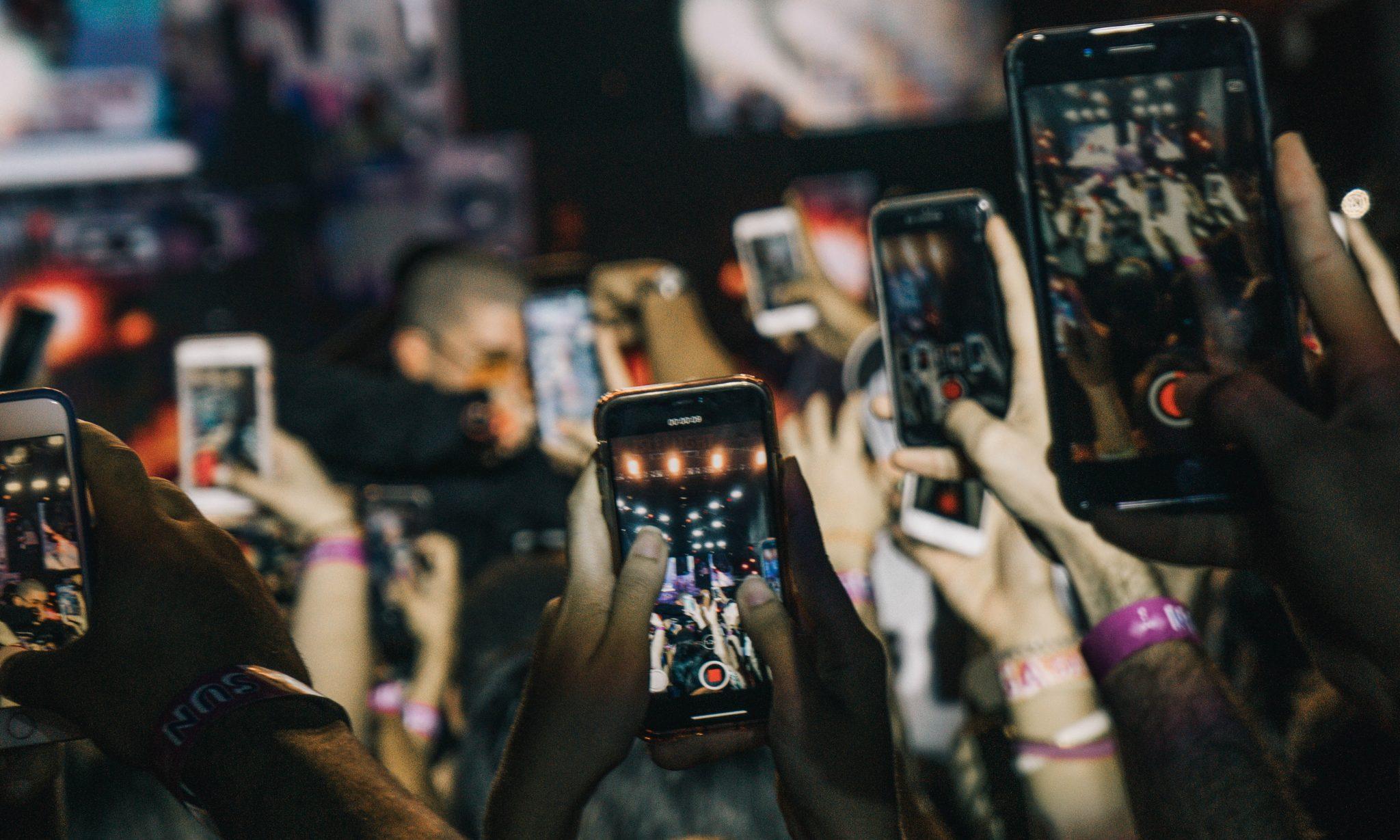 GFK: il mercato continua a crescere. Gli smartphone segnano un +25%