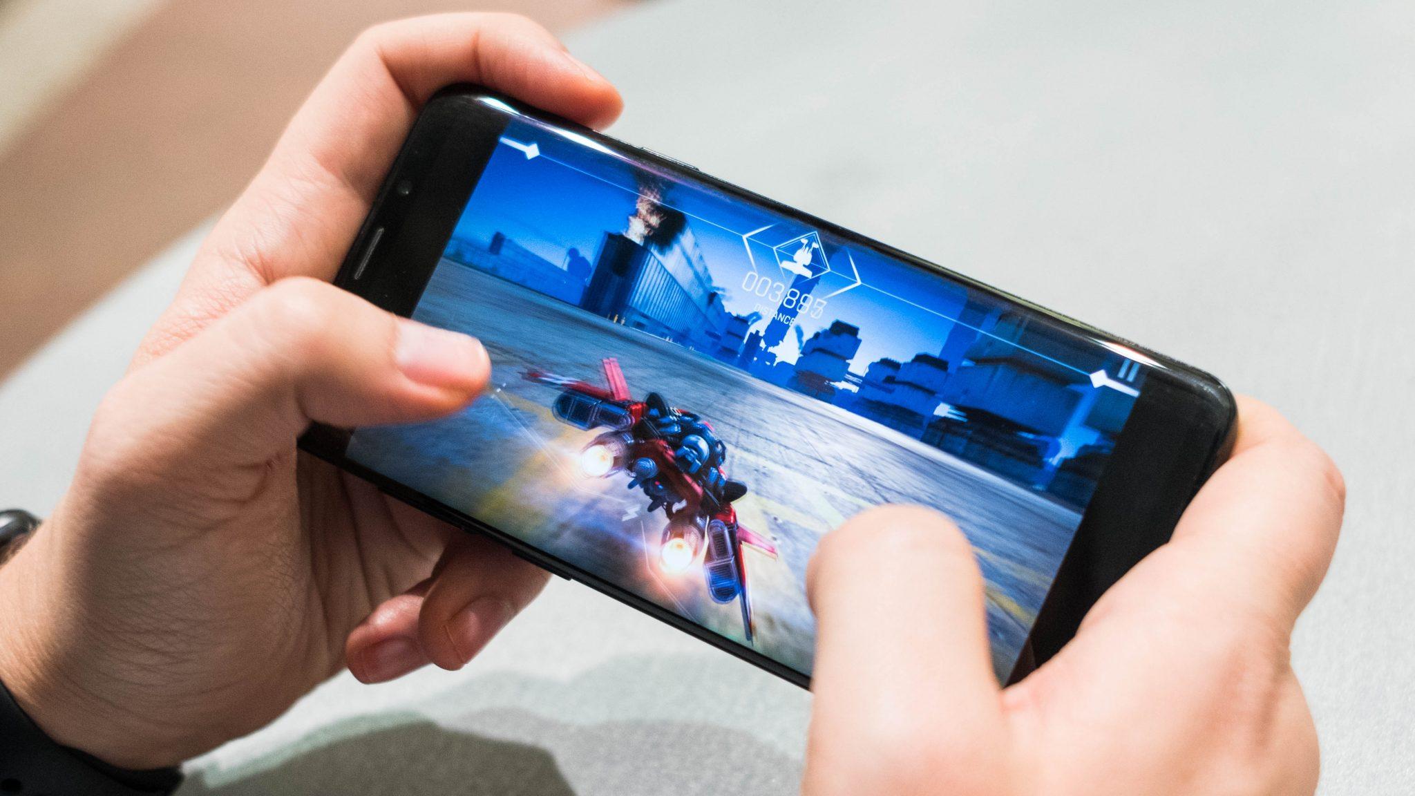 Spopola il mobile gaming: scelto dal 61% degli utenti secondo Deloitte